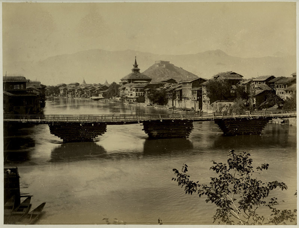 Bridge in Srinagar - Kashmir