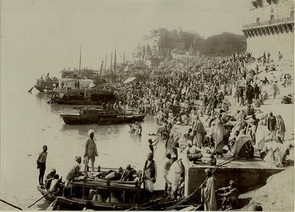 People at the side of River Ganges - Benares (Varanasi)