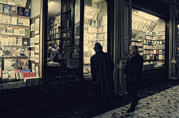 The bookshop - Street Photography
