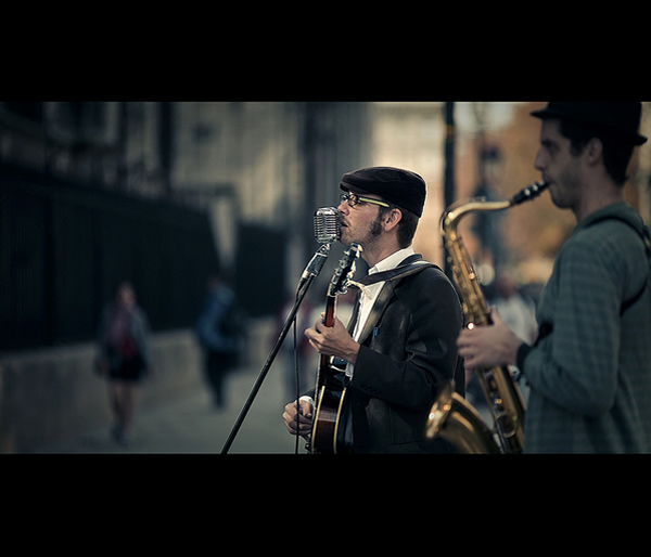 Busker - 35 Awesome Examples of Cinematic Photography