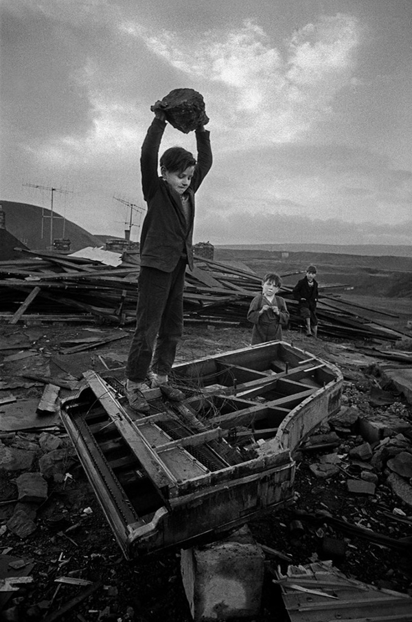 philip jones griffiths The ability to keep things in perspective is very important for a journalist in a tense situation you need the ability to be there, yet somehow step aside to keep a cool head and keep working without getting frustrated.
