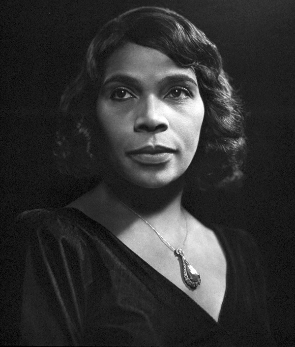 Marian Anderson - Portraits by Yousuf Karsh