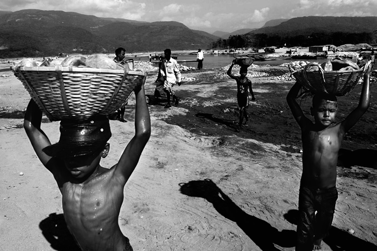bonded labour C bonded labour in unorganized and informal sector the incidence of bonded labour is perhaps the highest in the unorganized and informal sector in india and among.