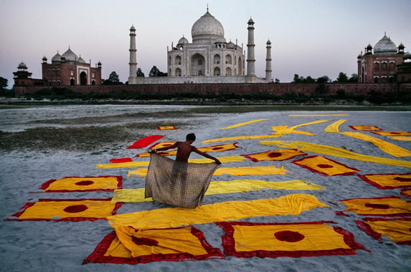 Taj Mahal by Steve McCurry