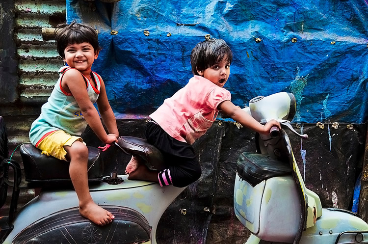Street and Travel Photography by Saumalya Ghosh