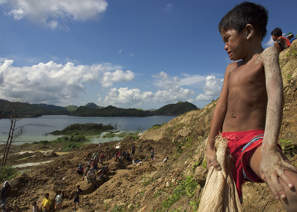 Philippines Gold: Child Labor by Larry C Price