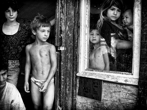 Most Passionate & Raw Photo Stories made on Humanity