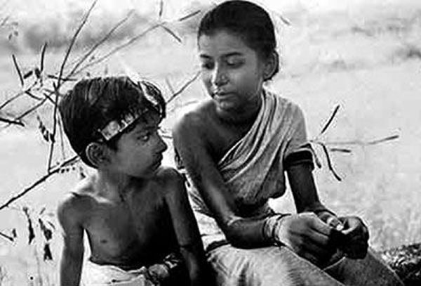 Satyajit Ray talking about Henri Cartier-Bresson's influence on him in his first film Pather Panchali