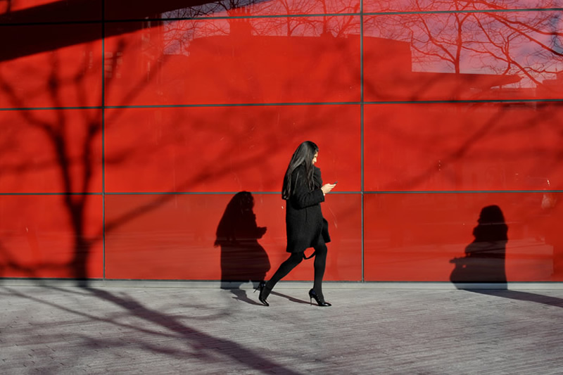Jan Ditch – This London Street Photographer Shoots What It Feels Like & Its Amazing