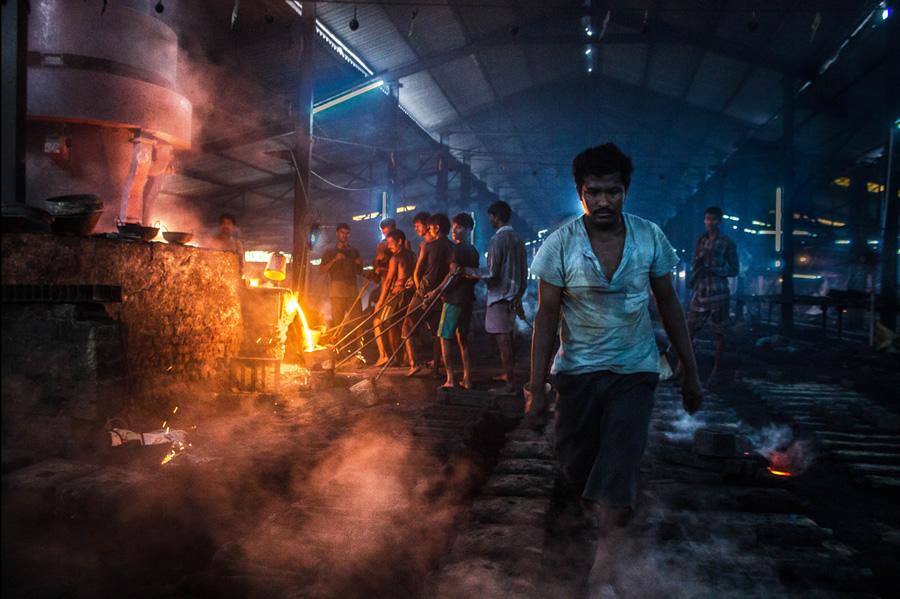 Inside Of A Cast Iron Foundry – Photo Series By Bidipto Dey