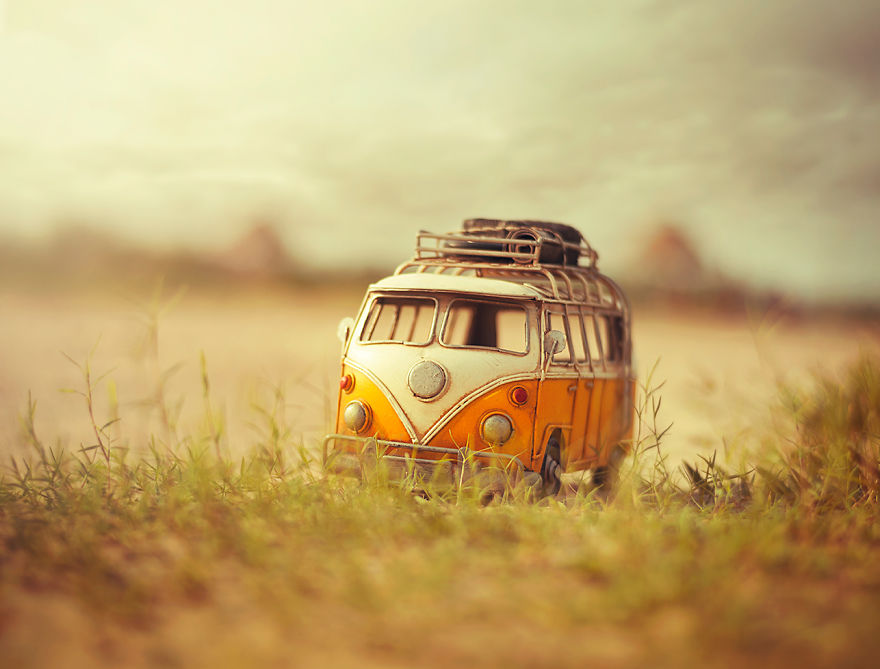 13 amazing atmospheric miniature car scenes by for Where to buy photography