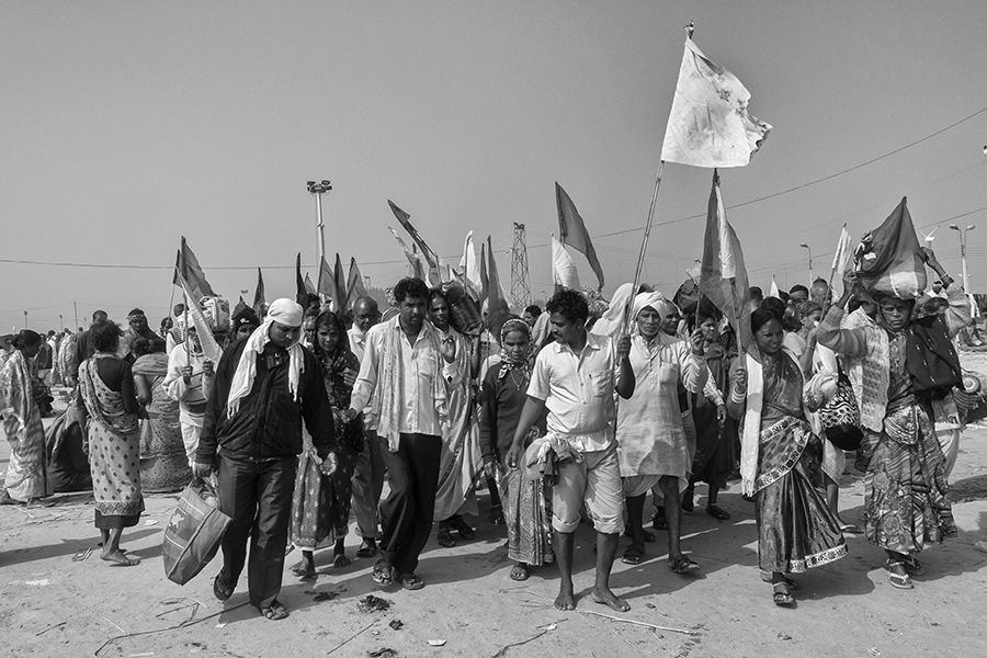 The Gangasagar Mela - Photo Series By Indian Photographer Sushavan Nandy