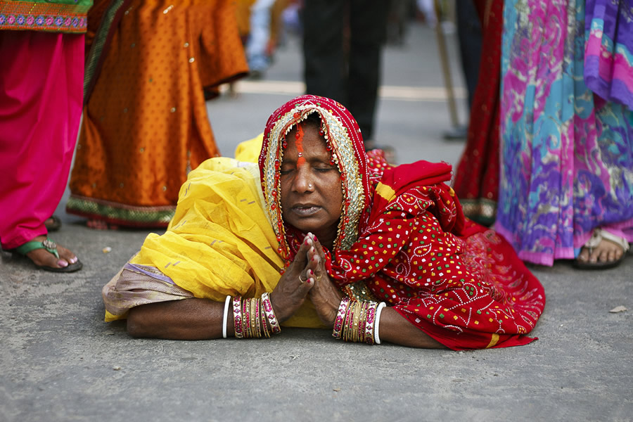 Thanking The Sun - Photo Story About Chhath Festival by Amlan Sany