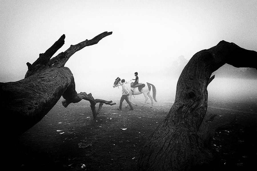 The 25th Hour - Photo Series By Indian Photographer Kanishka Mukherji