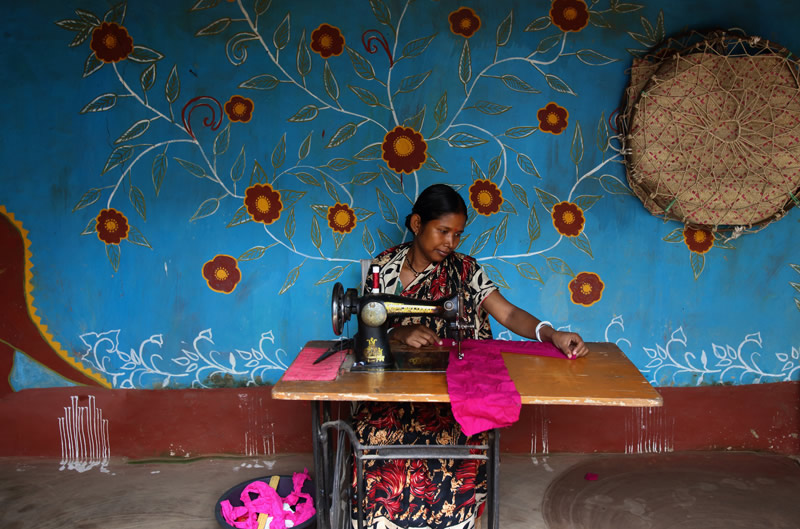 Santals Of Bangladesh: Beautiful Photo Series By Pronob Ghosh