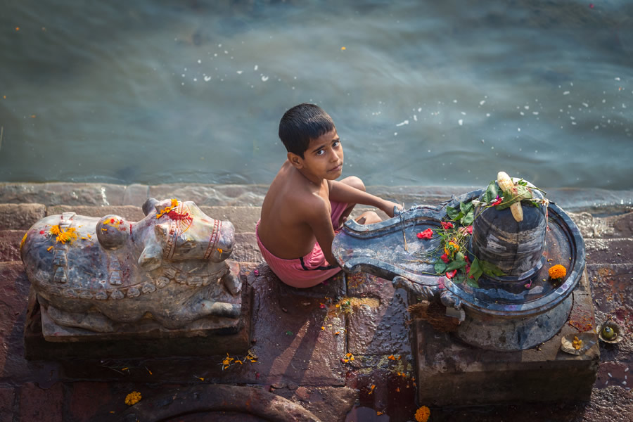 Astounding Banaras: City Of Ghats - Photo Series By Mohit Tejpal