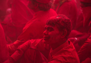 Holi In India – Colorful Photography Series By Aman Chotani
