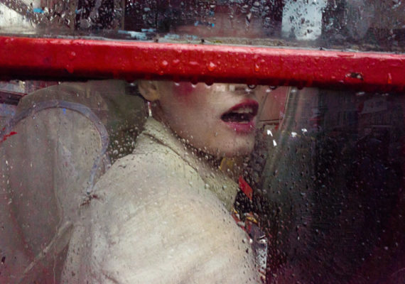 Gareth Bragdon Shoots Unseen Street Photographs Which Are Clearly Stunning