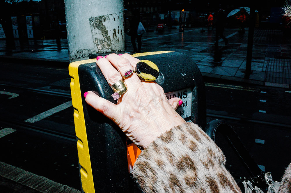 Flash Street Photography By Gareth Bragdon