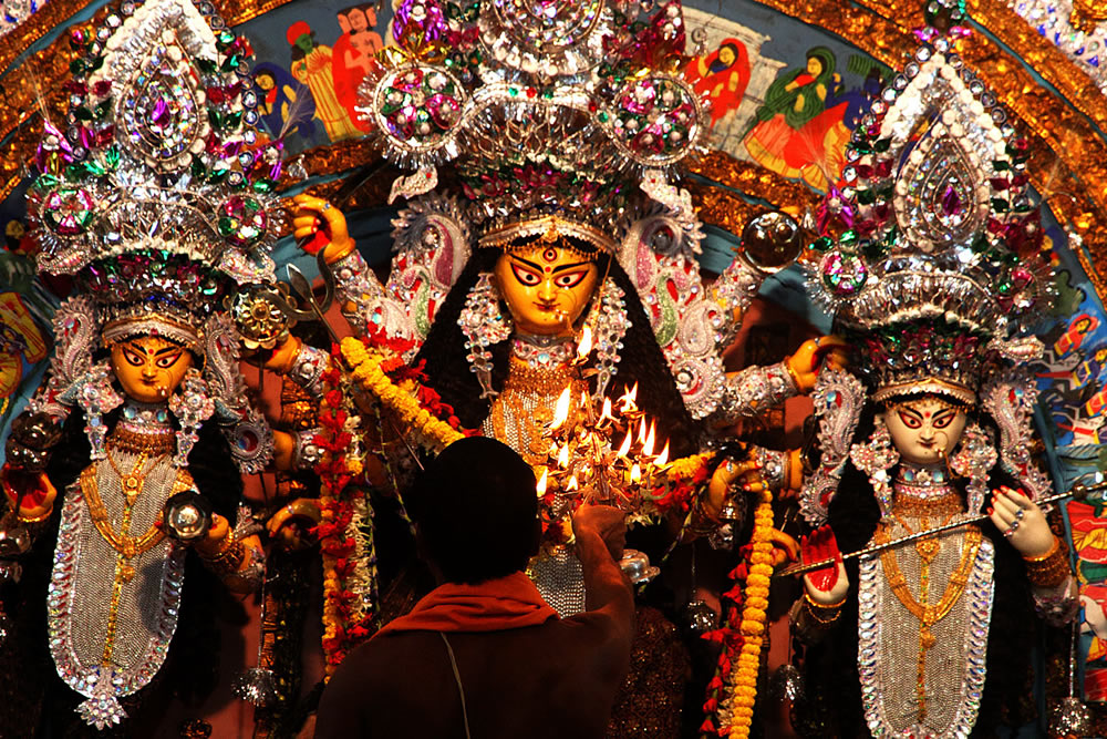 Durga Puja - Photo Series By Indian Photographer Nilanjan Ray