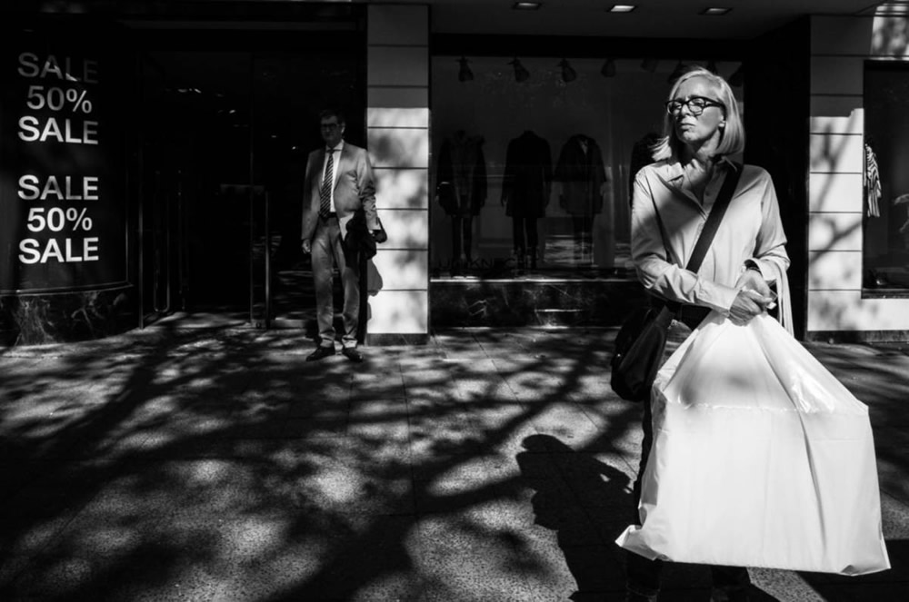 5 Ways To Creatively Embrace The Sun - Street Photography Tips By Sebastian Jacobitz