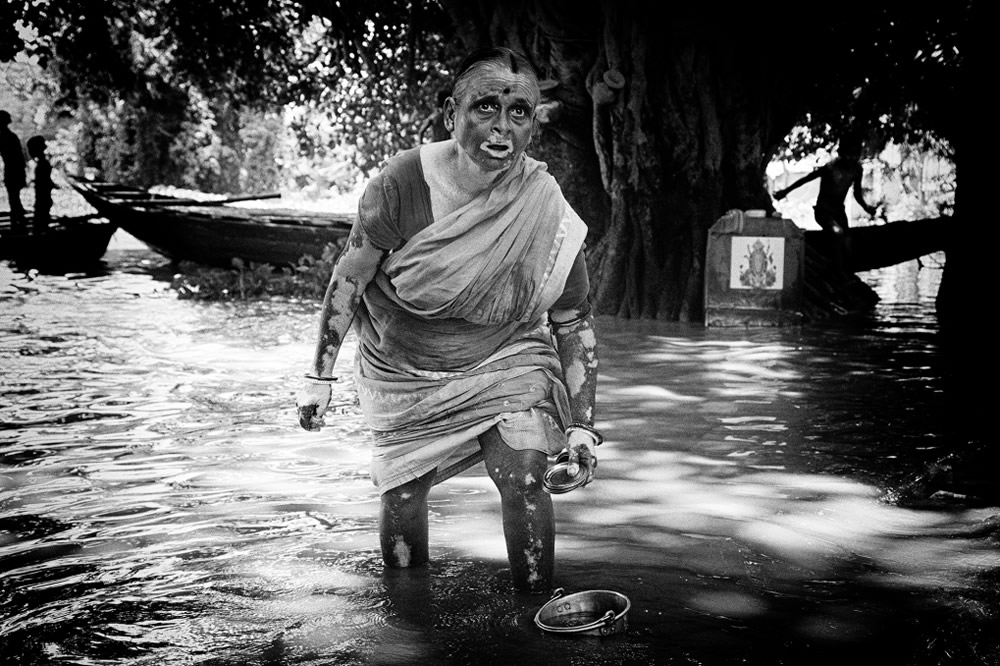 My Love With Black And White - Photo Series By Indian Photographer Bhaskar Kundu