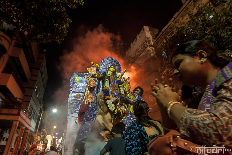 Ignition of Faith: Amidst Bengal - Photo Series By Indian Photographer Niladri Adhikary