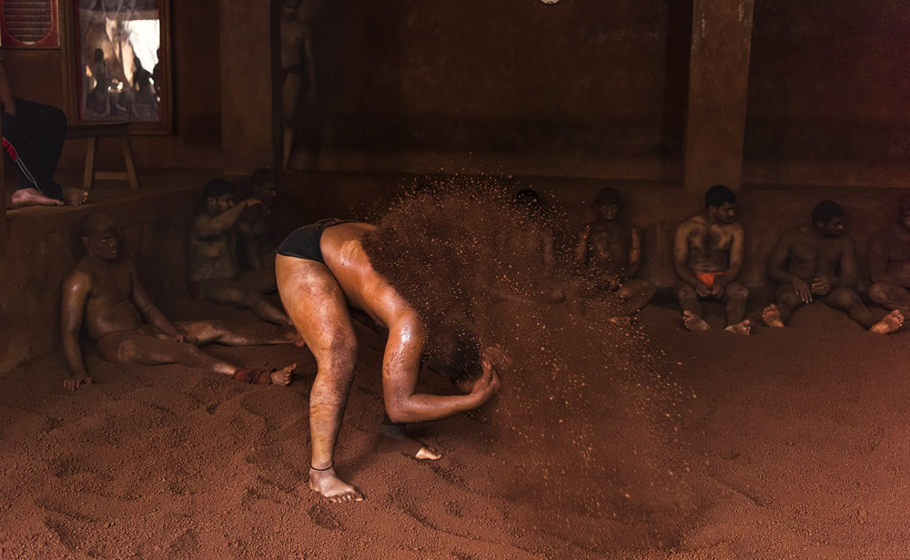Kushti: The Indian Traditional Wrestling – Photo Series By Dnyaneshwar Prakash Vaidya