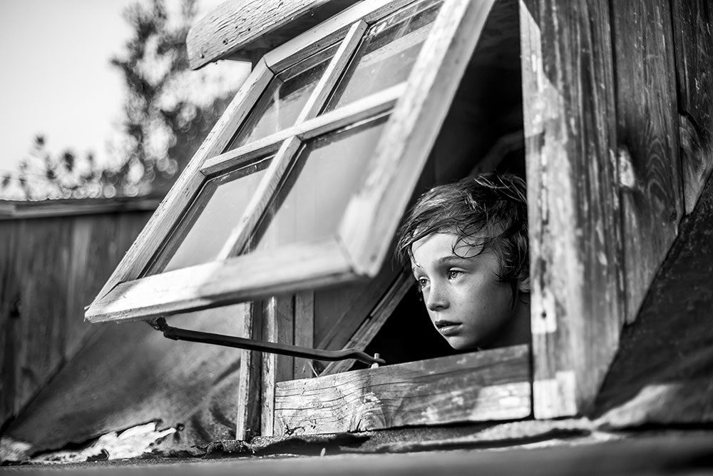 "HONORABLE MENTION – ""Below the window"" by Oriano Nicolau, Spain"