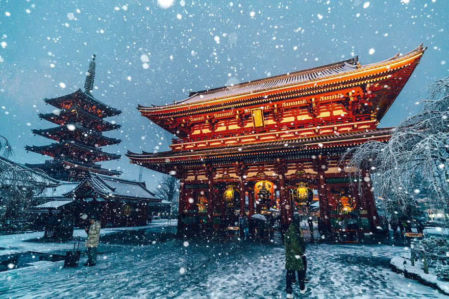 Japanese Photographer Yuichi Yokota Amazingly Captured While Tokyo Covered By Heavy Snow