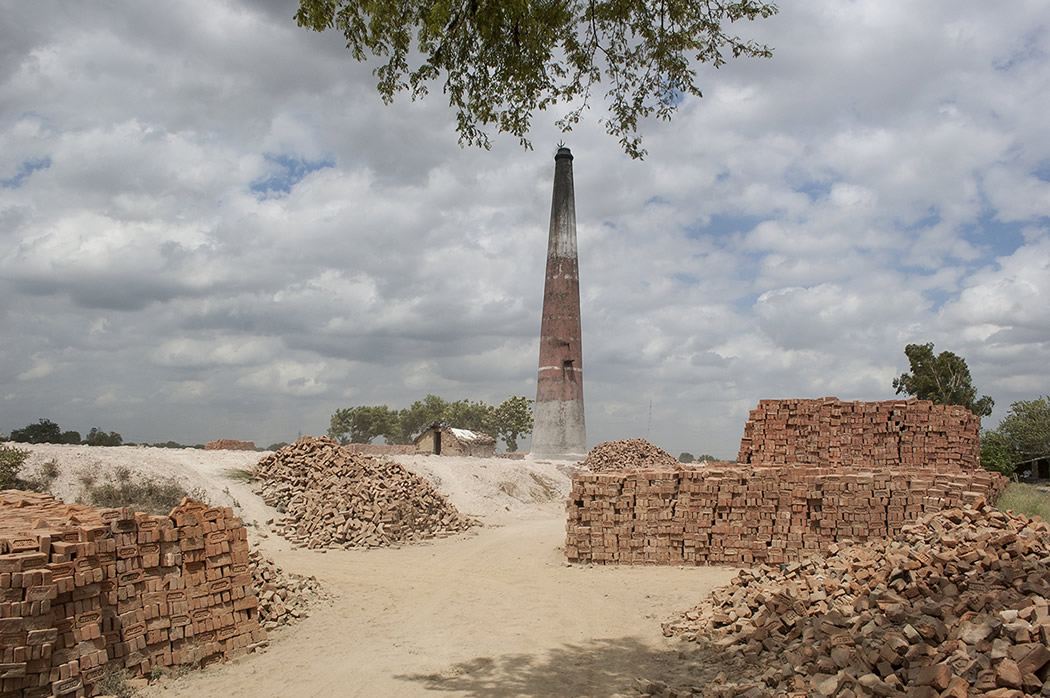 Varanasi's Brick Kiln Workers: Photo Series By Rajesh Kumar Singh