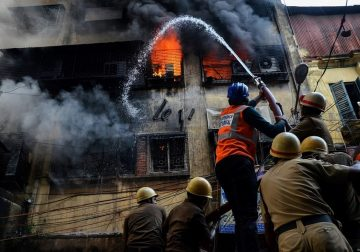 Inferno: Kolkata Bagree Market Fire – Photo Series By Debarshi Mukherjee