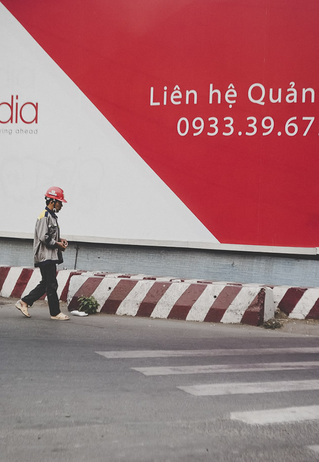 Geometrical Asia: Street Photography Series By Victor Morante