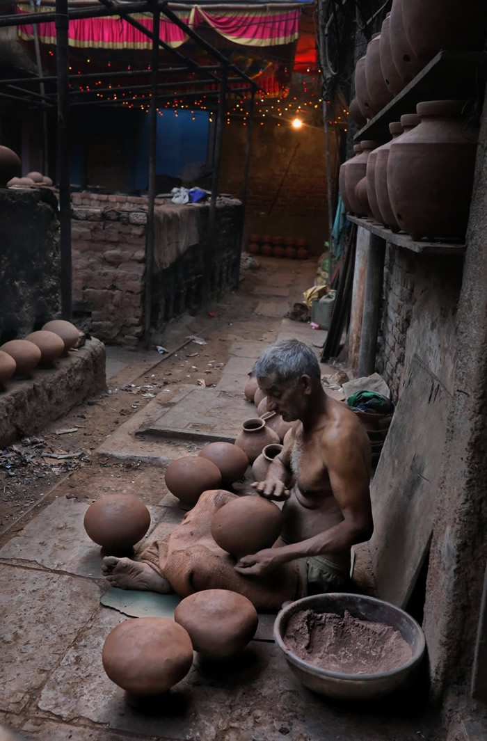 Kumbharwada - The City Of Lamps In Dharavi: Photo Series By Rahul Machigar