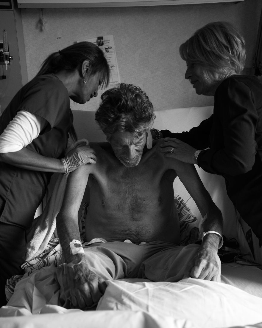 The Last 17 Days Of My Dad's Life: Heart Touching Photo Series By Josh Neufeld