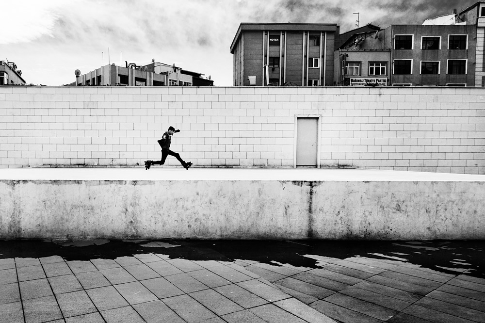 Interview With Turkish Street Photographer Hakan Biyiklioglu