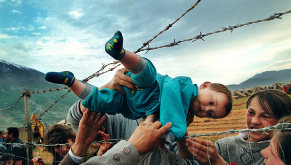 The plight of Kosovo refugees by Carol Guzy