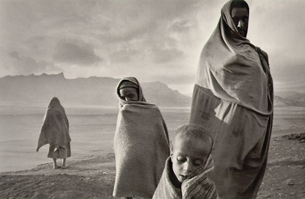 Refugees in the Korem camp Ethiopia by Sebastião Salgado