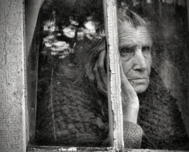 Every Window Has Its Own Story: 50 Fascinating B/W Photographs You Will Cherish Forever