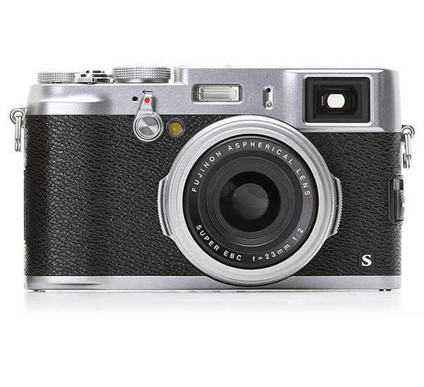 Fujifilm X100s - 5 Most Popular Compact Cameras for Travel Photography