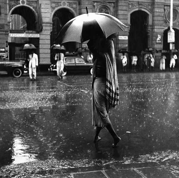 Coolie Woman, Monsoon, Bombay (Mumbai) - 1948