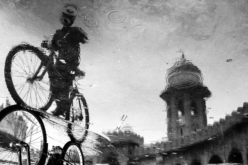 Street Photography in India - 50 Stunning Black and White Photos