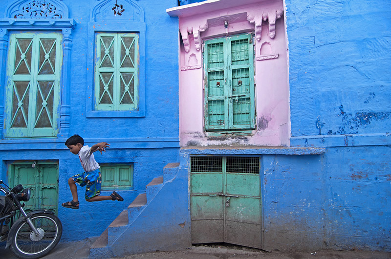 Street Photography in India - 50 Stunning Color Photos