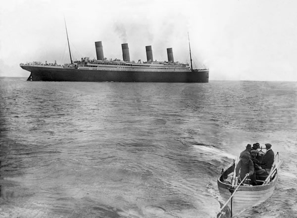The last known photo of the Titanic.