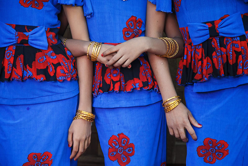 Festival girls - Pakokku, Myanmar - Street Photography and art of the composition