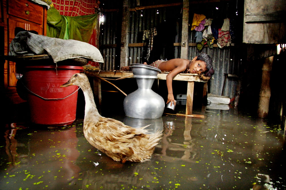 Everyday Catastrophe: Photo Series By Bangladeshi Photographer S.M. Kakon