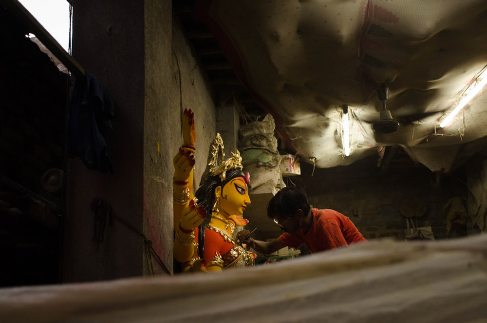 Life In Contrast: Photo Series By Indian Photographer Krishna Goswami