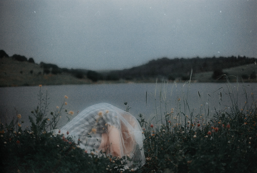 Photographer Hadar Ariel Magar Captured Fine Art Portraits Inspired By Nature and Dreams