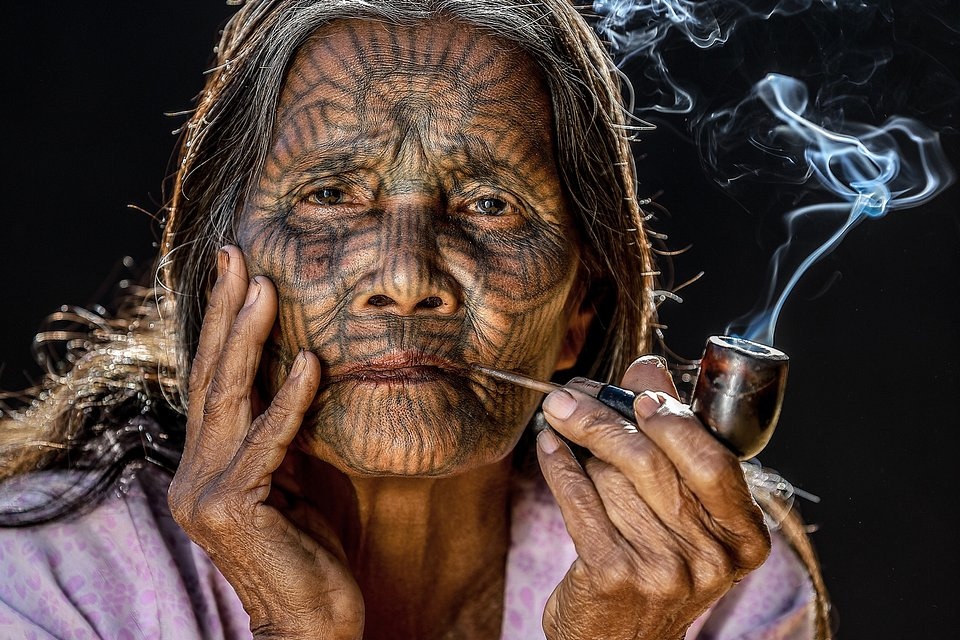 Old woman- The Best Photos of Women