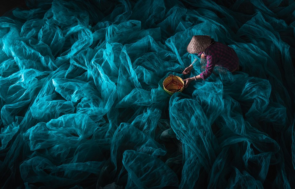 Sea of Nets- The Best Photos of Women